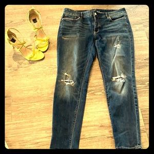 The Skinny-Destructed Jeans